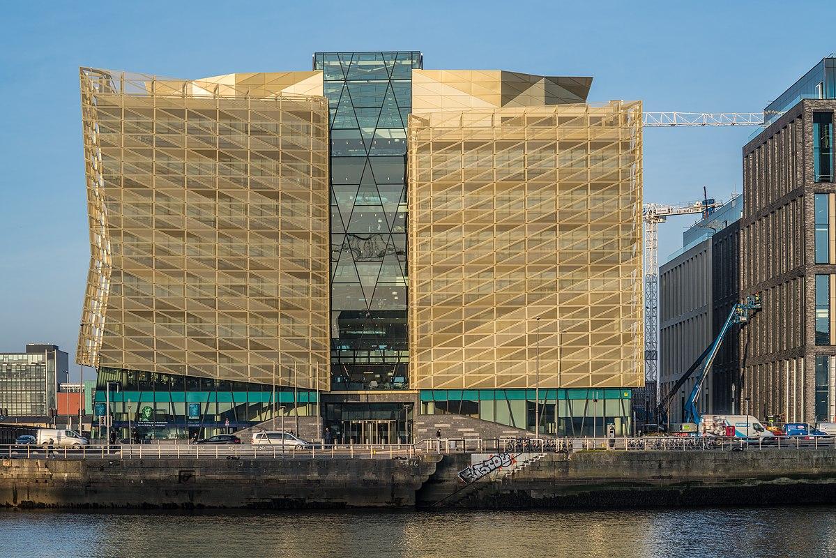 Banco Central Irlandês diz que o País Precisa de Mais Imigrantes para Manter os Salários Baixos