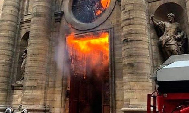 Em 2019 foram Registados cerca de 3.000 Ataques Contra Igrejas e Símbolos Cristãos na Europa