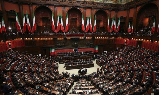 """Deputada Italiana Exige Prisão de Bill Gates por """"Crimes Contra a Humanidade"""""""